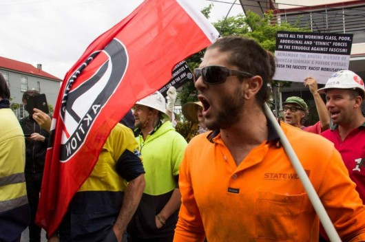 CFMEU thugs with anarchists in Brisbane May 2014