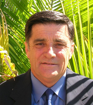 Mr Peter Schuback