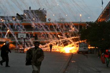 Israel attacks Gaza with illegal white phosphorus