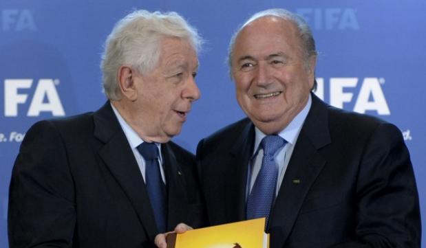 Frank Lowy supporter of FIFA Sepp Blatter
