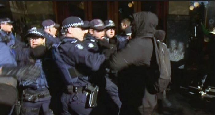 Antifa attack police in Melbourne