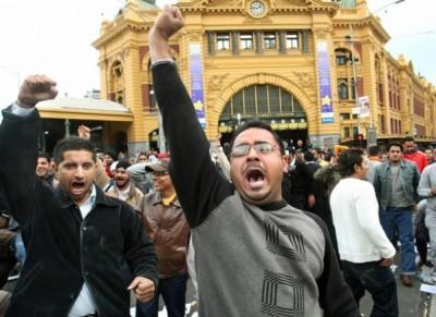 Visa Ilegals protest outside Flinders Street Station