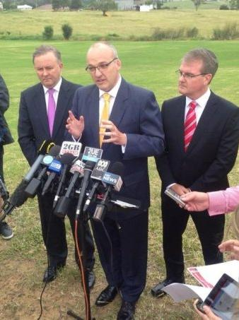 Luke Foley and Anthony Albanese want Badgerys Creek Airport