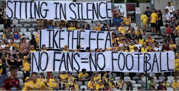 Sydney Wanderers criminals stage soccer walk out