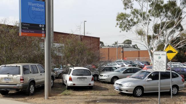 Werribee Railway Station Overcrowded